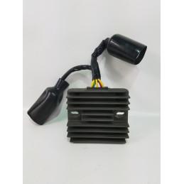 04 07 HONDA CBR1000RR régulateur de tension--YYSSA-029-Honda